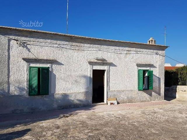 Villa 6 posti letto a ridosso del mare - Cozze