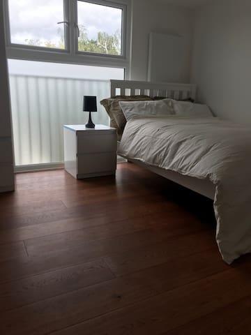 Spacious Loft Conversion in Friendly Home
