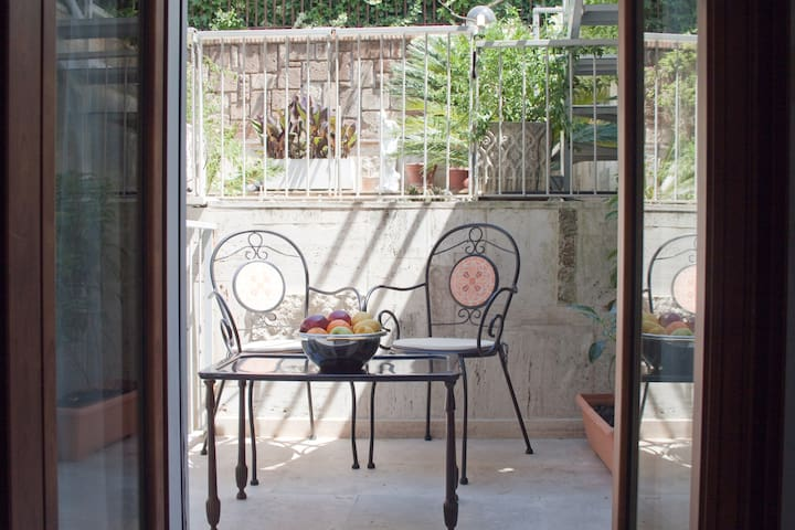 EUR LAKE INDIPENDENT MINI FLAT  - Rome - Apartmen