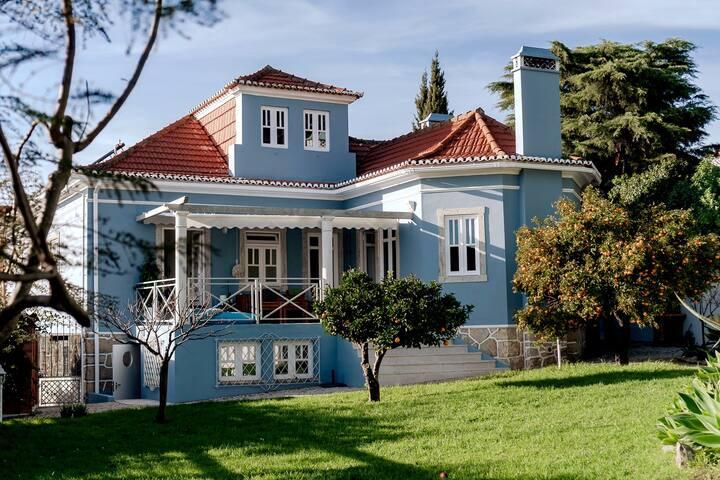 The centenary, renovated villa next to the Ocean