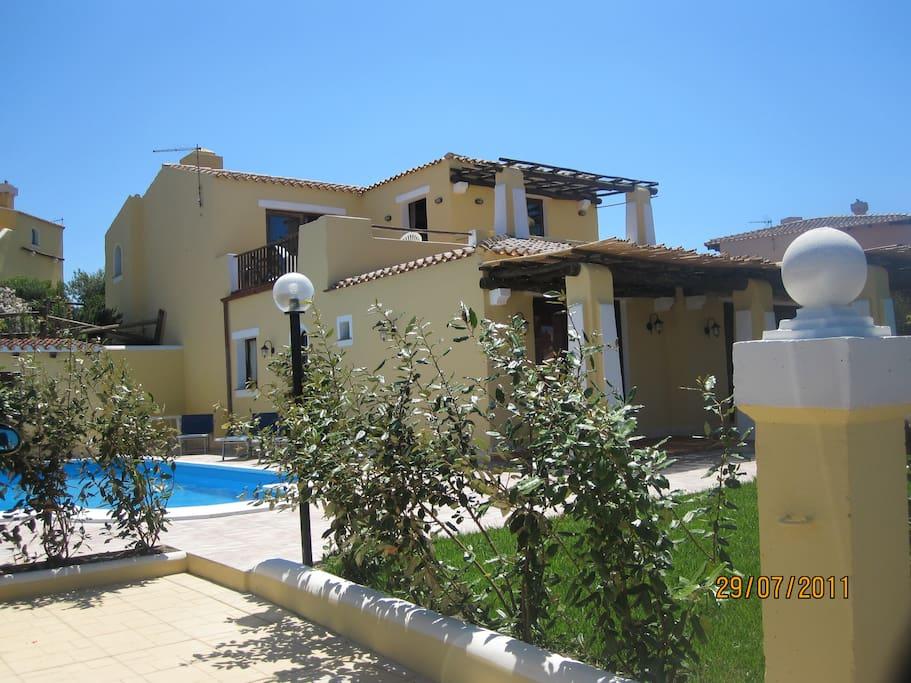 Villa roma splendida villa con piscina privata ville in - Villa con piscina roma ...