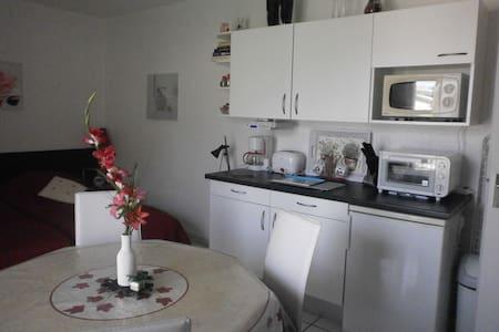 studio meublé dans ville Thermale Digne les Bains - Digne-les-Bains