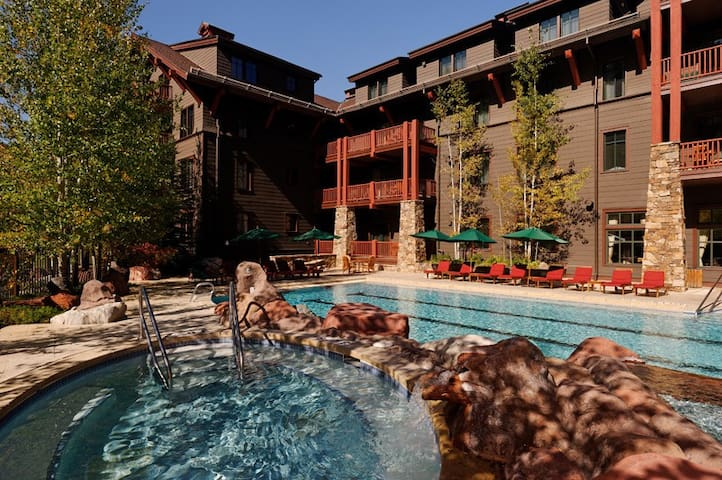 Ritz Carlton Aspen 2/3 Bedroom Condo $500/night! - Aspen - House