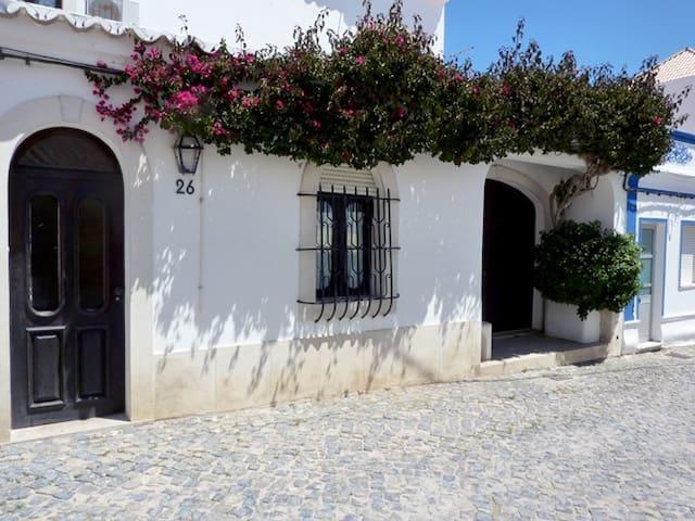 Haus Grelha am Meer für 2  Personen - Cabanas - Talo