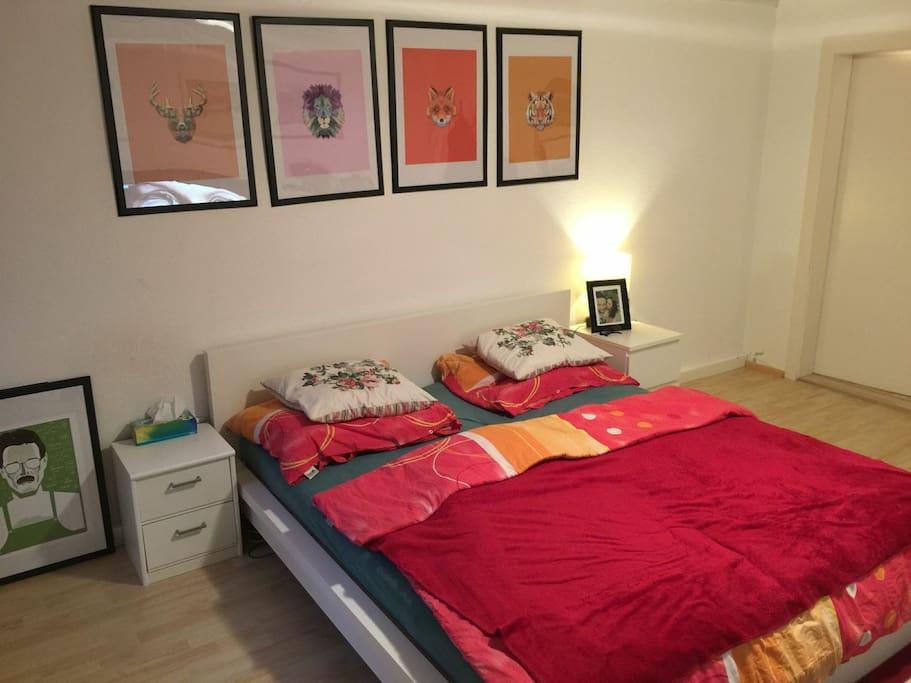 Schlafzimmer 1 / Bedroom 1