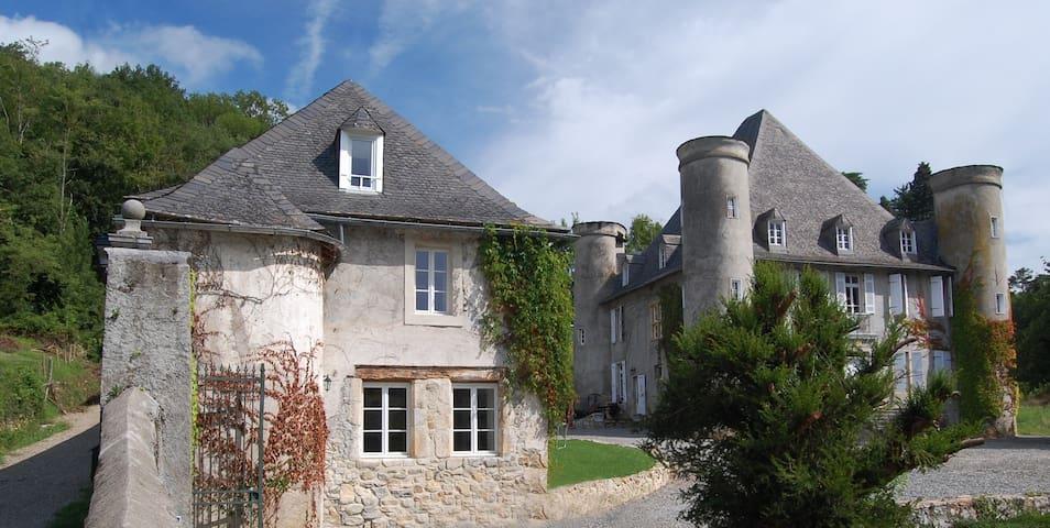 La Loge Du Chateau De Pouech - Saint-Girons - Casa
