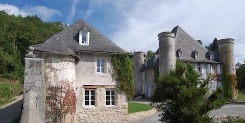 La Loge Du Chateau De Pouech