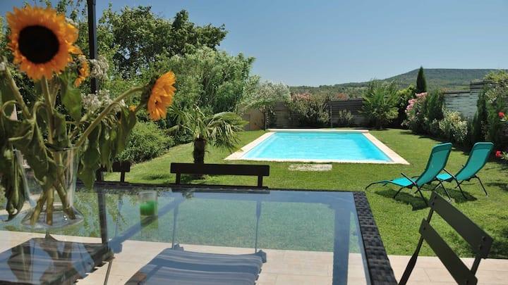 Maison avec sa piscine uniquement pour vous!