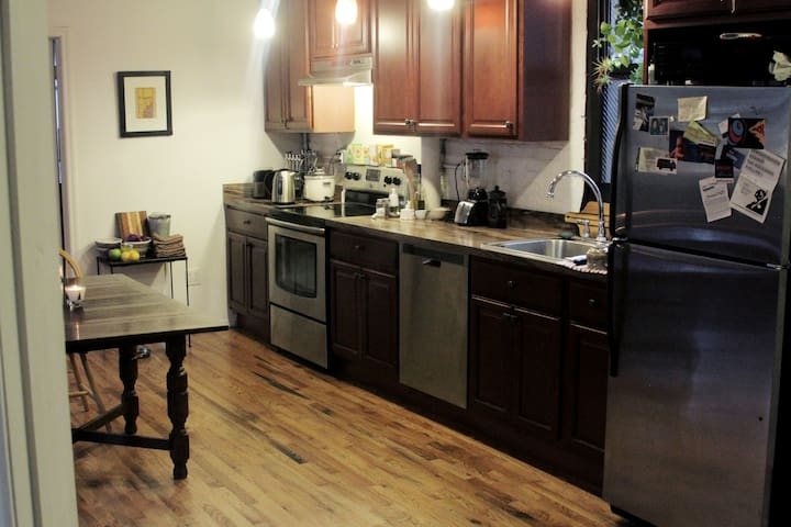 Brand new kitchen with all amenities.