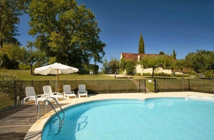 Maison sur 8 hectares piscine privée Lot/Dordogne