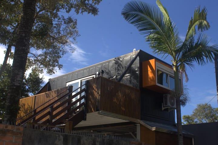 Linda casa container minimalista e moderna