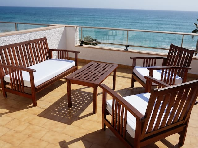 Apartment with terrace by the beach with sea view - Antic 201