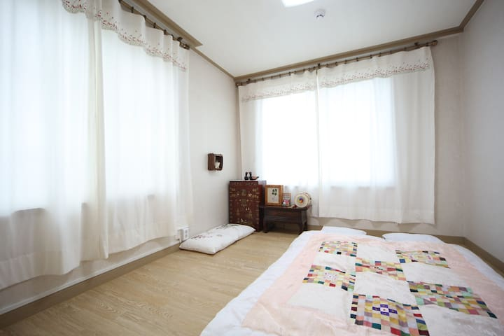 Korean Traditional Room-50,000won/room,2persons - Paldal-gu, Suwon