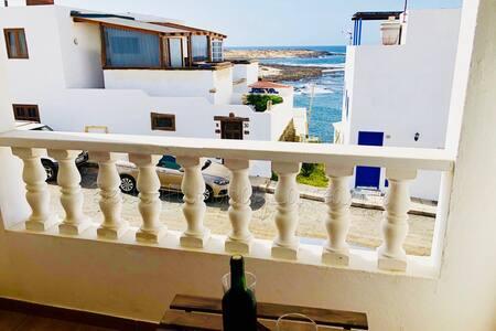 Apartment Sentido,Meerblick & Wifi, direkt am Meer