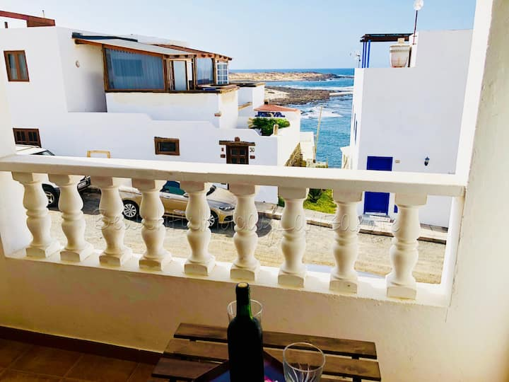 Apartment Sentido with fantastic sea view & Wifi