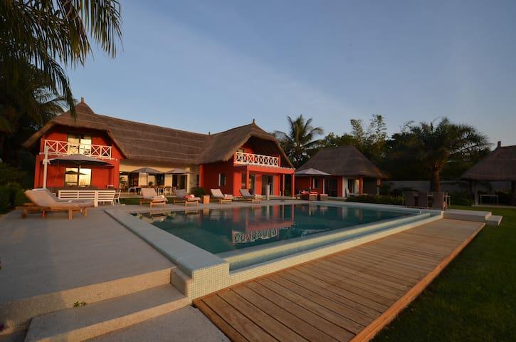 Villa  5* , vue mer avec  accès privé à la plage