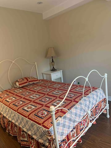Bedroom with comfortable large double bed , it's big enough for couple .