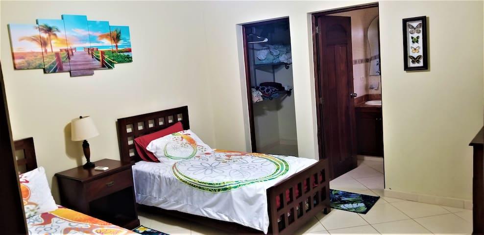 3rd bedroom w en suite,  double beds large walk in closet  (programmable safe).