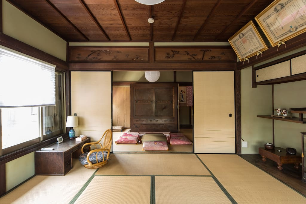 Japanese Tatami bed room with good vista of neighborhood