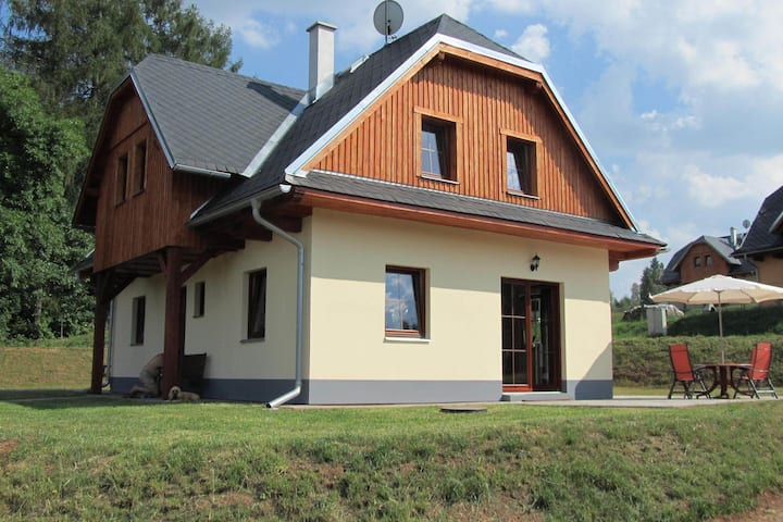 Detached house at 3km from the town of Trutnov, with many winter sports facilities