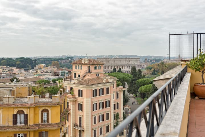 Colosseo Terrace 180°