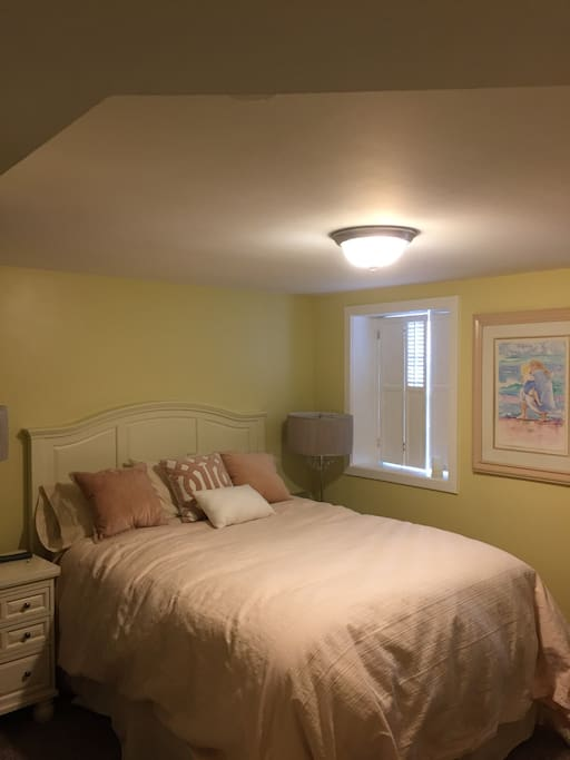 Capitol hill rowhouse historic 1 condominiums for rent in washington district of columbia Master bedroom clementi rent