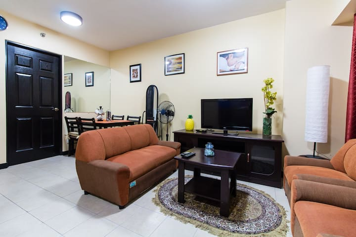 2 BEDROOM FULLY FURNISHED CONDO  - Taguig - Daire