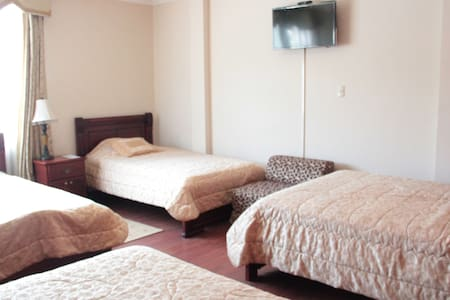 LOJA HOUSE (TRIPLE THREE BEDS) - Loja