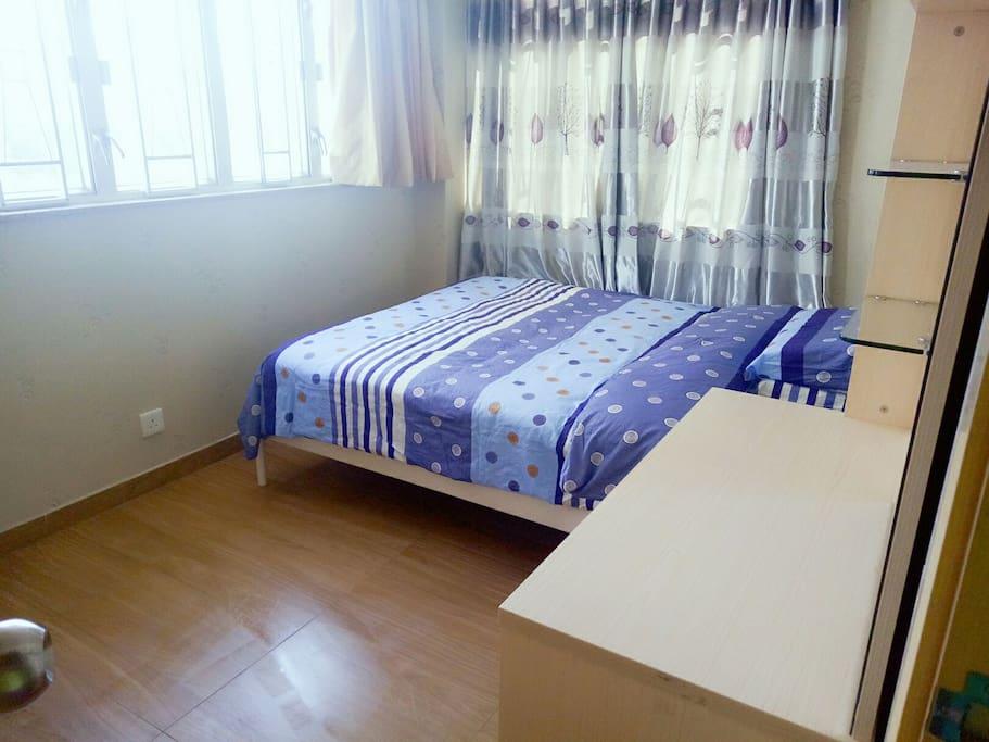 空間大,1.5米雙人床