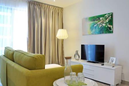 Trefoil Comfortable Homestay - Nos 2 , Seksyen U13