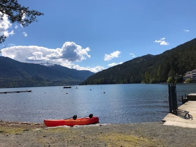 Beautiful Home Steps from Cultus Lake!