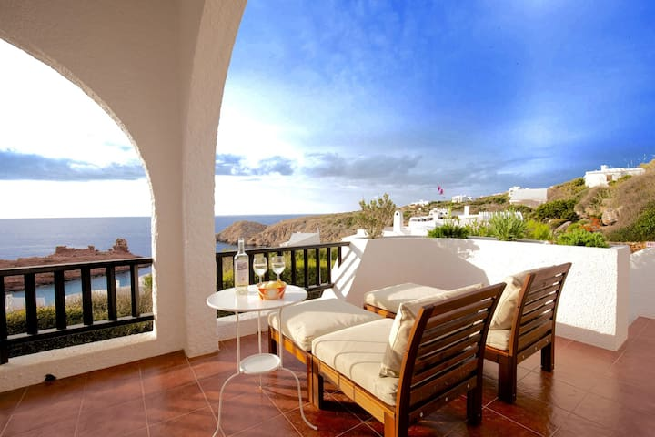 Charming Villa with Spectacular Sea Views