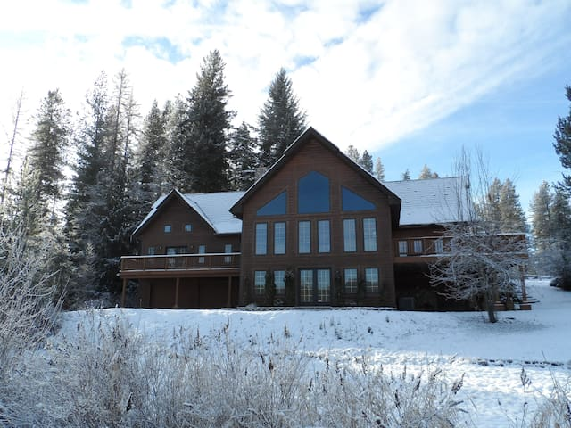 Rose Lake Lodge Lakefront Chalet - Cataldo - Casa