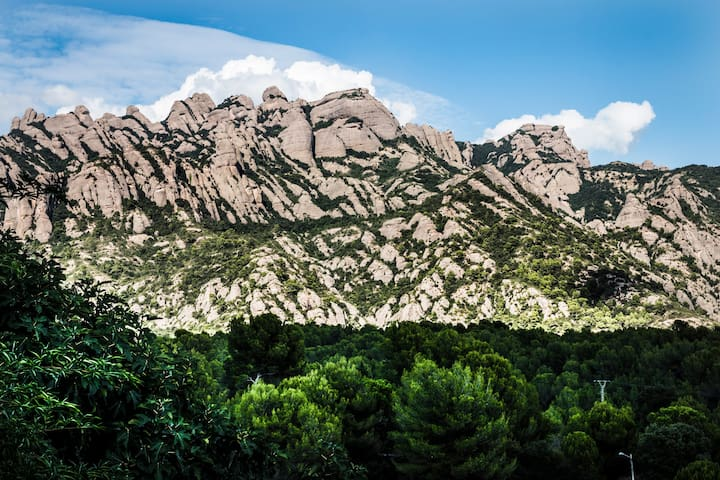 Room with great view to Montserrat