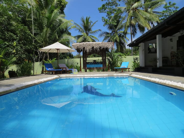 Villa Sapphire, Private Pool, A/C, WiFi, Sleeps 6