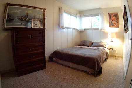 Sunny Queen Sized Room