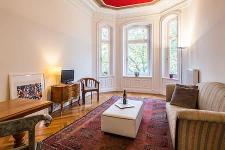 Klassische Altbauwohnung, Centrum - Appartamento