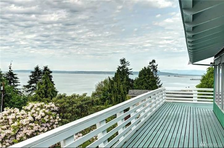 Huge Private and Ocean View House - Everett