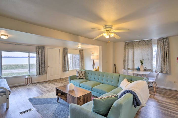 NEW! Lakefront Cottage 6 Miles to Downtown Toledo!