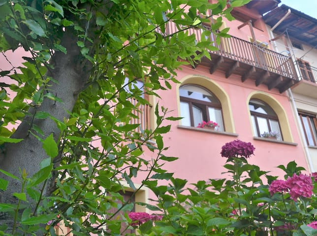 B&B Balcone del Biellese nice room free wifi - Pettinengo - Bed & Breakfast
