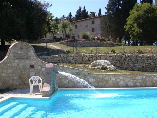 Casa 22 persone & piscina Cetona