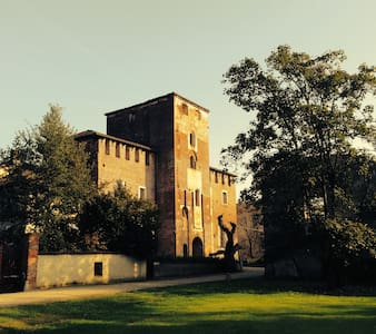 CASTELLO LA ROCCA SWIMMING POOL & AIR CONDITIONING
