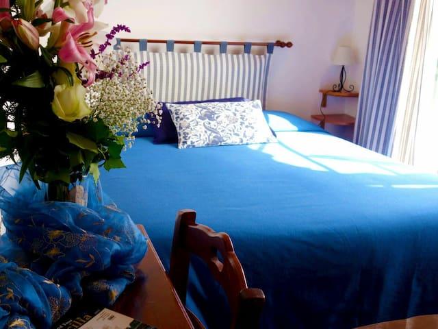 Room with balcony sea view and bathroom ensuite - Taormina - Casa