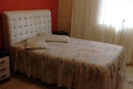Casa para temporada com 3 dormitório - São Thomé das Letras - Дом