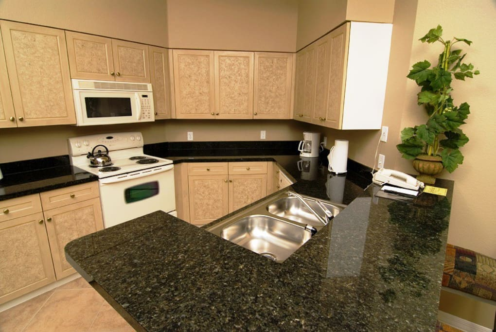 Fully Equipped KItchen with Granite Tops
