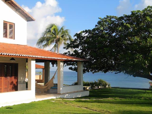 Beautiful seaside villa in Paracuru
