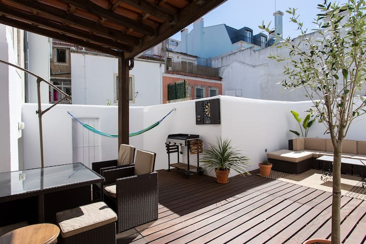 Sunny townhouse with a large terrace