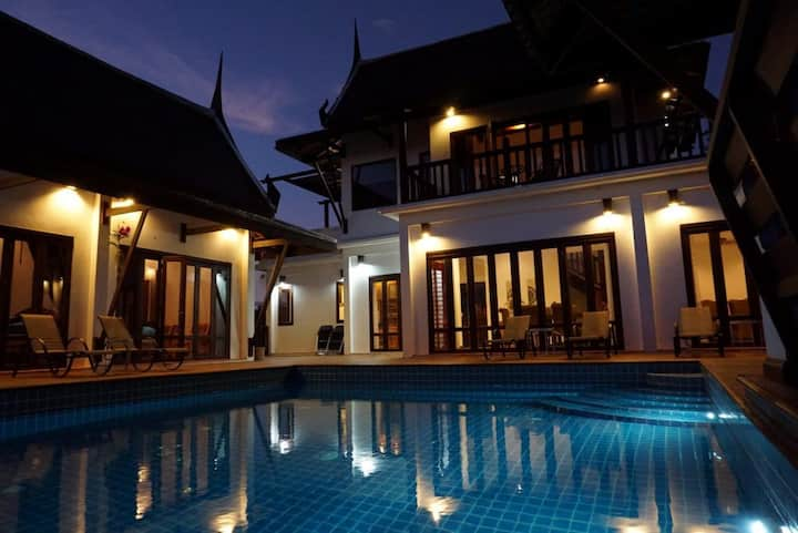 CM8 Beds & Private Pool by Sun4U