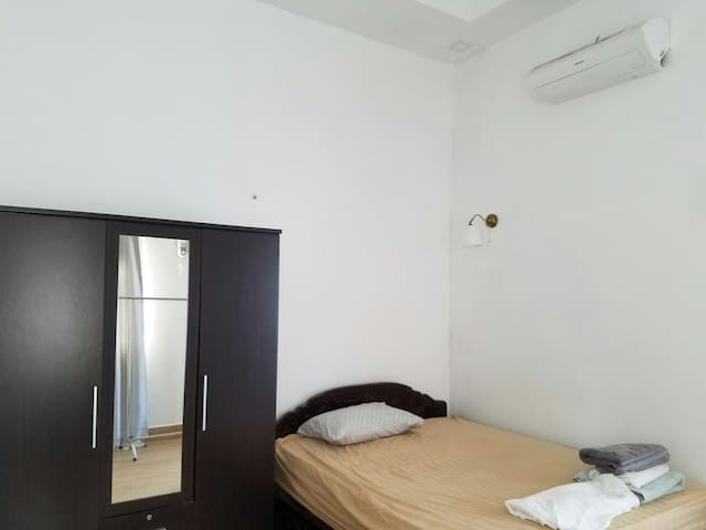 Entire 1st floor western apartment - Phnom Penh - Apartamento