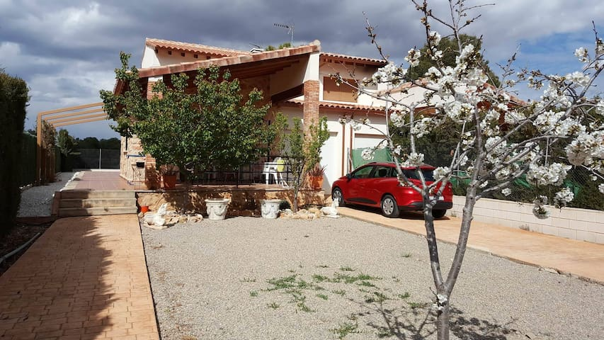 House in the middle of the nature - Macastre - Talo
